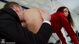 Lyen Parker gets all holes stuffed by cock