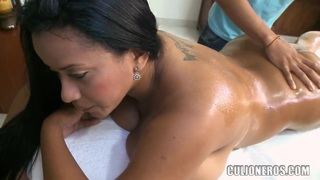 I make erotic massage to big boobed Carolina