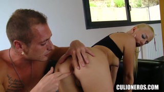 Jessie Volt lets her ass swallow anal beads