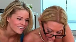 Busty milf Jennifer Best horny threesome with Jessa Rhodes