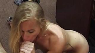 Blonde bimbo pawns her pussy