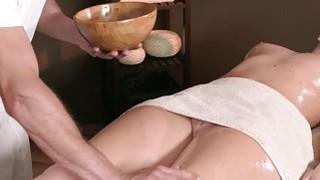Experienced masseur fucks brunette beauty