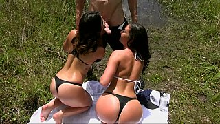 Nice naked babes with stunning butts outdoor