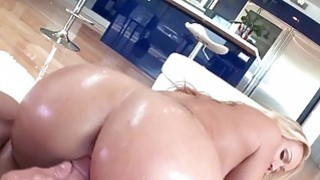 Huge bum whore Austin Taylor gets