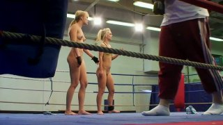 Two chicks get from ferocious mood to horny on the ring
