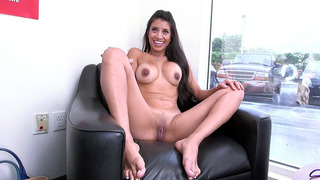 Naked amateur mom Soffie talking with a cameraman