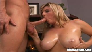 Amazing chubby lady Kala sucking Bob dick